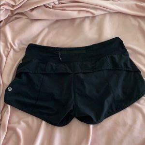 "Lululemon speed up running shorts 2.5"""